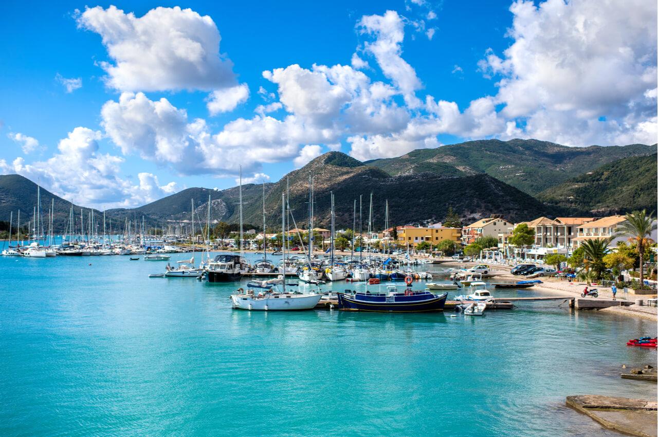 6 Ανοιξιάτικοι Προορισμοί στην Ελλάδα - Λευκάδα - Alphadrive Rent a Car