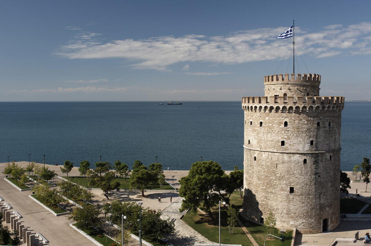 4 Sehenswürdigkeiten von Thessaloniki, die Sie sofort nach Ihrer Ankunft besuchen müssen-Erfahren Sie mehr über die Geschichte des Weißen Turms-Alpha Drive Rent a car